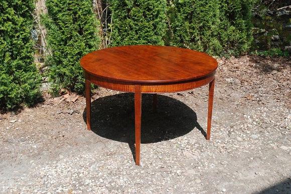 Morleys Expanding Table