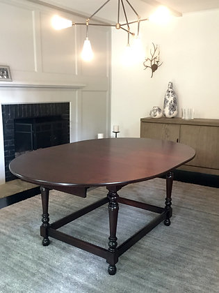 Expanding William & Mary Table