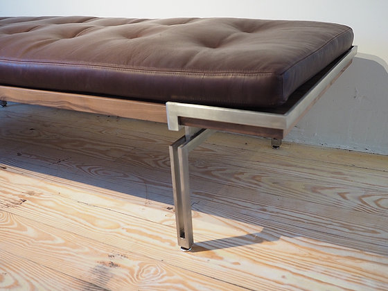 Nomad Bench