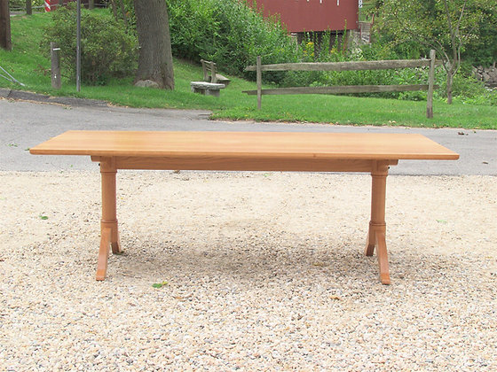Turned Leg Arched Trestle Table