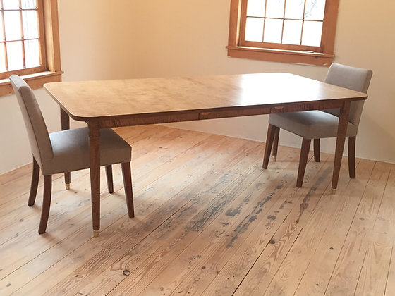 Ana's Expanding Table