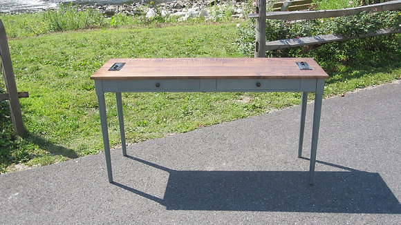 Turned Leg Mono Desk