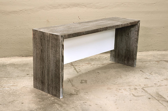 Contrast Dovetail Bench