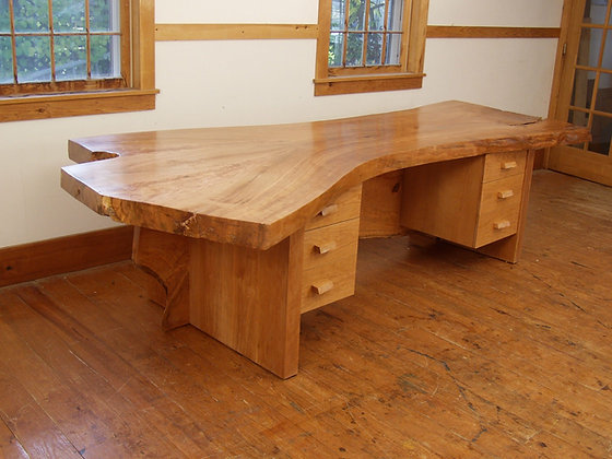 Selendy Desk