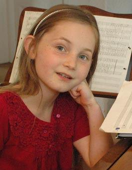 Alma Deutscher, composer/pianist/violinist | Zefunot Culture