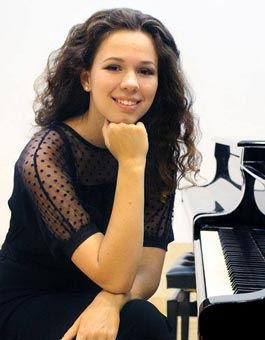Alexandra Naroditsky, piano | Zefunot Culture