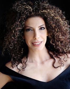 Keren Hadar, crossover soprano | Zefunot Culture