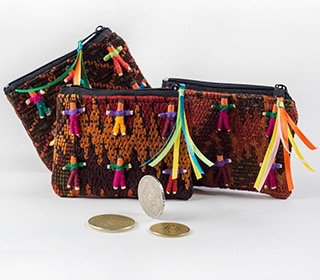 Zip Purse with 6 Worry Dolls