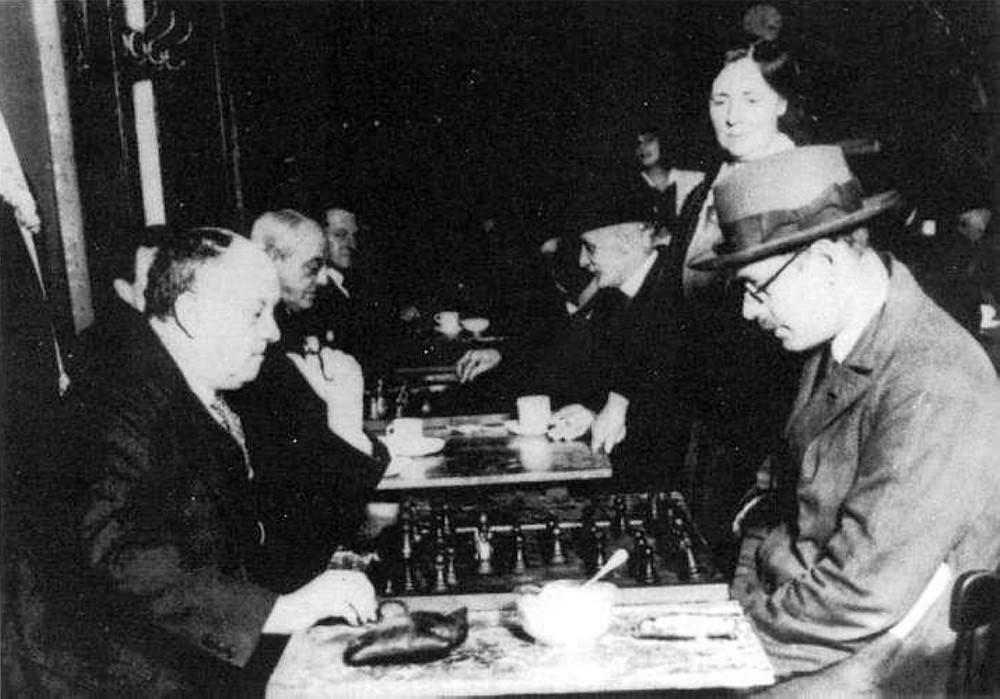 Fernando Pessoa e Aleister Crowley jogam xadrez