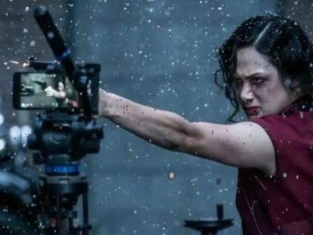 Snow Steam Iron: O curta de Zack Snyder filmado em um iPhone
