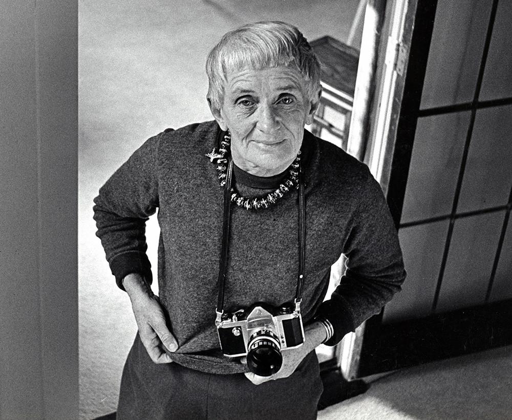 Foto da fotografa já idosa