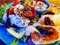 Hallowmi Salad