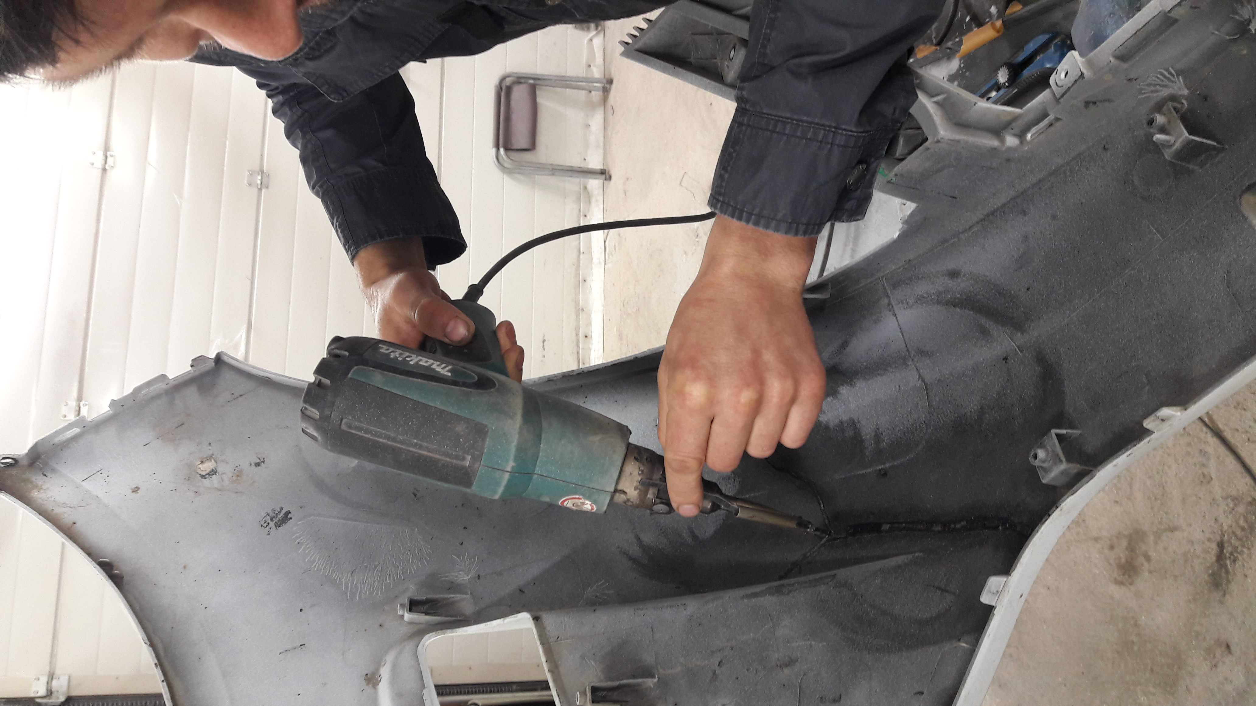 Процесс пропайки бампера