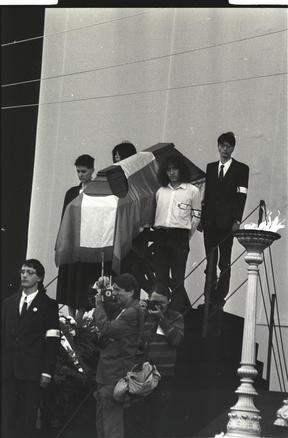 Baloldalt elől Csörgő Tünde, jobboldalt elől Hegedűs István