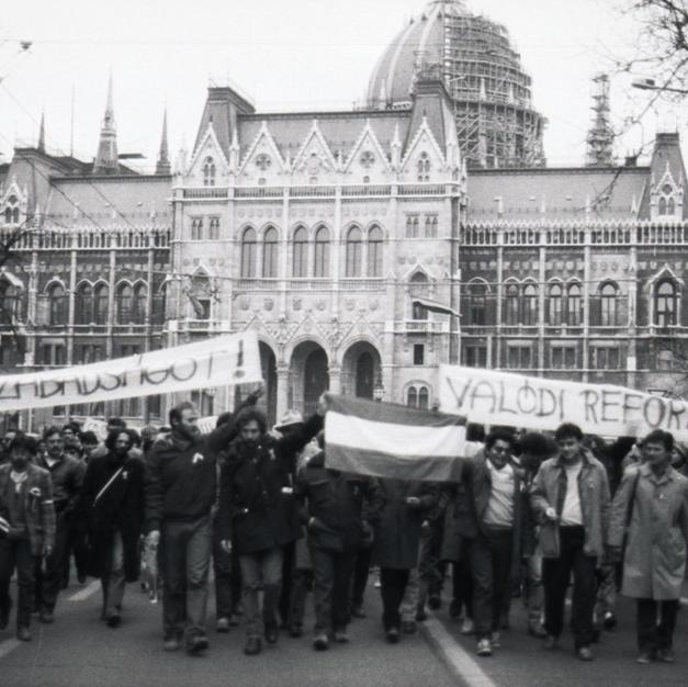 1988 március 15