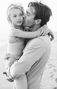 father-hugging-daughter