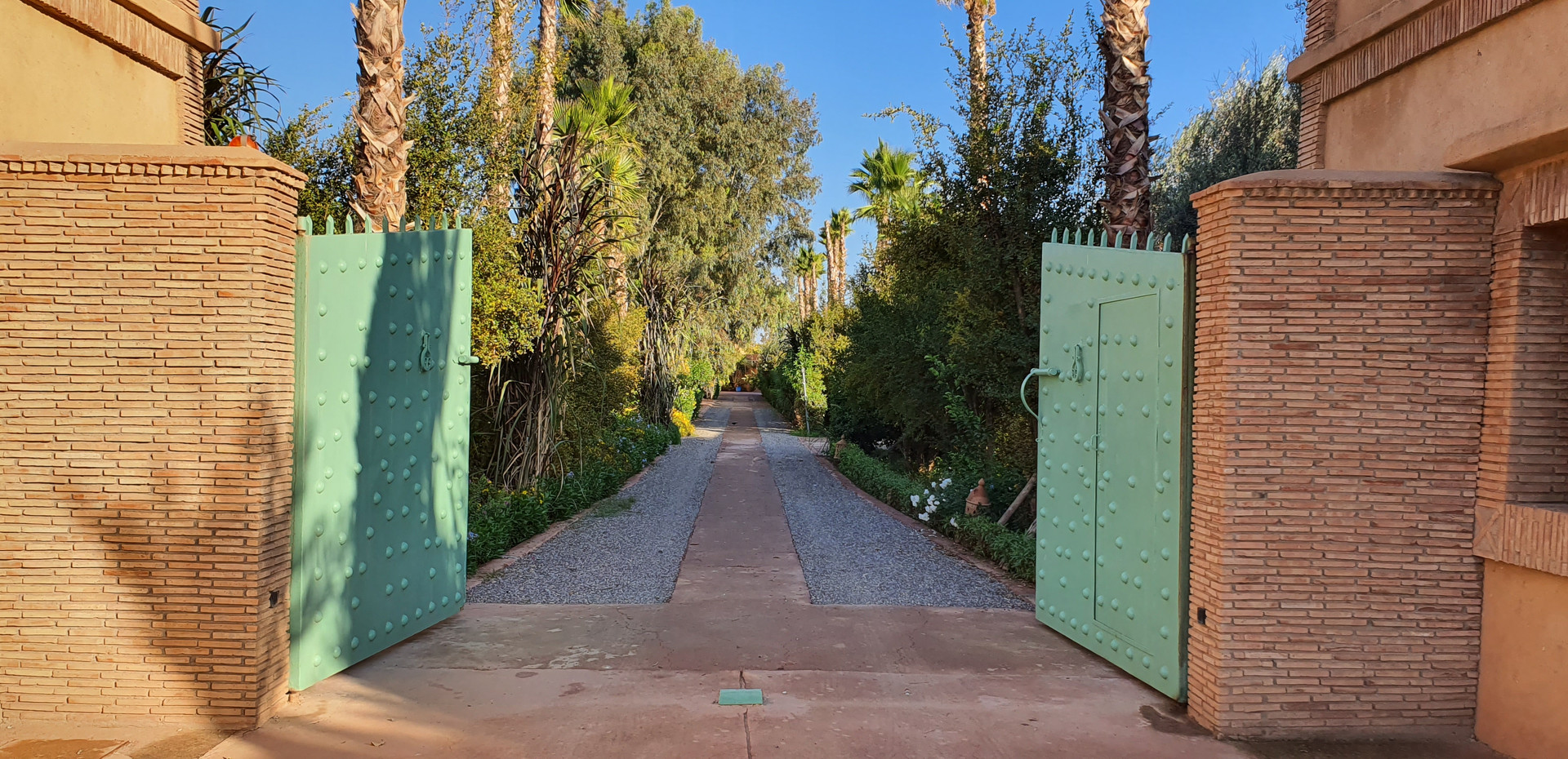 Your Gate to Dar Gonzo Resort & Spa
