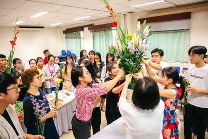 ベトナム国際貿易大学講師 学生と一般市民公開授業