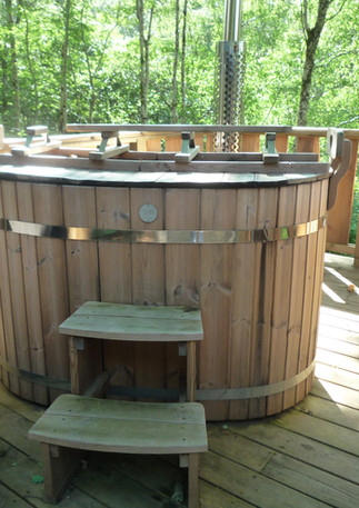 sunny hot tub.JPG