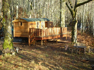 shepherds hut large woodlands cedar hand made quirky