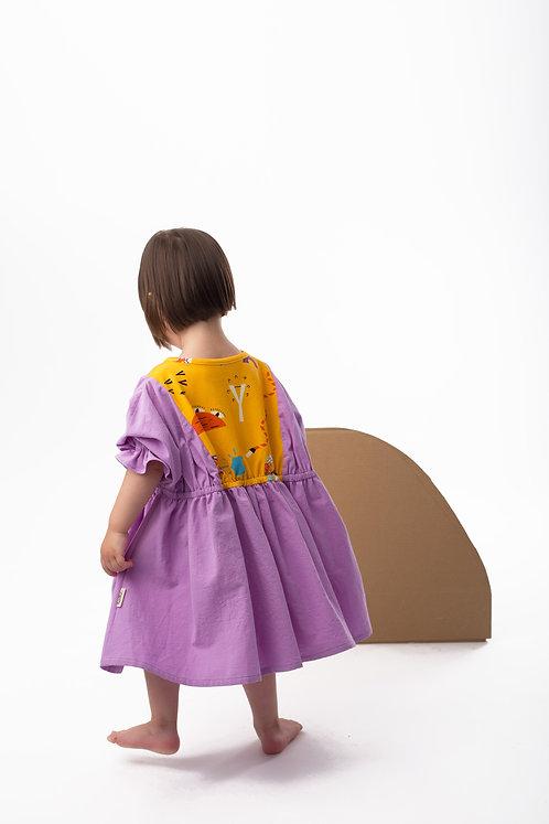 Violet wide dress with short, frilled sleeves