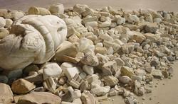 三十年河东(局部) 、大理石 、 尺寸因空间而异 、   2015  、30 Y