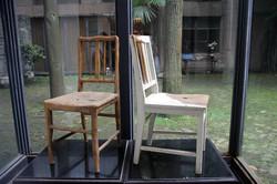 史金淞_被消磨的家具_椅子等综合材料_现场装置尺寸可变_The Worn Fur