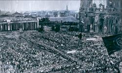 广场 柏林 布面油画 500X300cm 2010