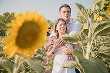 Séance photo de couple en extérieur à Lourmarin, dans le Vaucluse (PACA)