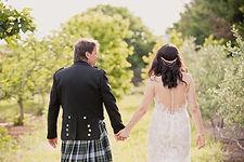 Reportage photo de mariage à Fuveau et à Terre de Mistral à Rousset, dans les Bouches-du-Rhône (PACA).