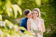 Reportage photo de mariage à Orange et au Château Beauchêne à Piolenc dans le Vaucluse (PACA).