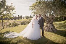 Reportage photo de mariage à Ansouis au Château Turcan, dans le Vaucluse (PACA).