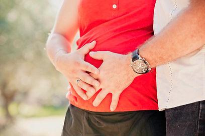 Séance photo de grossesse à Lourmarin, dans le Vaucluse (PACA).