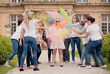Séance photo d'EVJF en extérieur à Aix-en-Provence, au Pavillon Vendôme, dans les Bouches-du-Rhône (PACA).