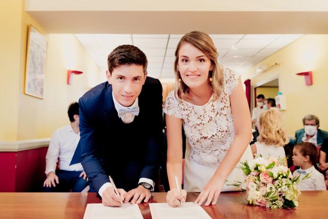 Reportage photo de mariage, cérémonie civile à Rougiers, dans le Var (PACA).  © Brin de Photographie
