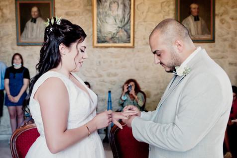 Reportage photo de mariage, cérémonie civile à Rognes, dans les Bouches du Rhône (PACA).  © Brin de Photographie