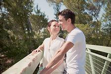 Séance photo de couple en extérieur à Cadenet, dans le Vaucluse (PACA)