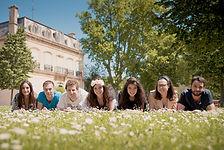 Séance photo d'EVJF en extérieur à Aix-en-Provence, au parc Saint Mitre, dans les Bouches-du-Rhône (PACA).