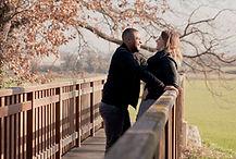 Séance photo de couple en intérieur et extérieur à Aix-la-Duranne, dans les Bouches-du-Rhône (PACA)