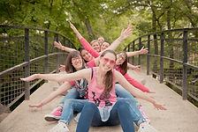 Séance photo d'EVJF en extérieur à Aix-en-Provence, au parc de la Torse, dans les Bouches-du-Rhône (PACA).