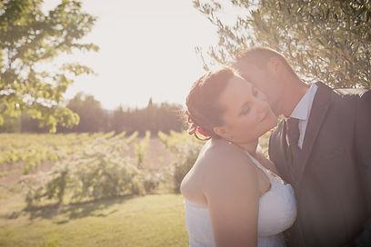 Reportage photo de mariage au château Turcan d'Ansouis, dans le Vaucluse (PACA).