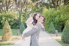 Reportage photo de mariage, photos de couple au château de la Garde, au Puy-Sainte-Réparade, dans les Bouches du Rhône (PACA).  © Brin de Photographie