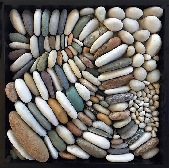 Gathering pebble mosaics