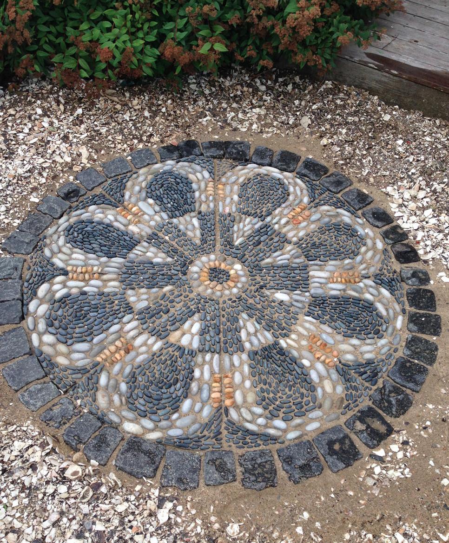 """LA RONDE 54"""" pebble mosaic"""