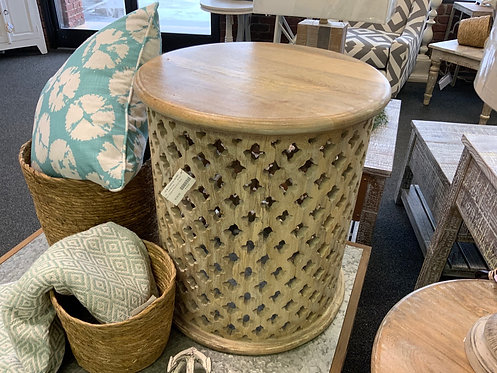 Small  Midland Round End Table 63500
