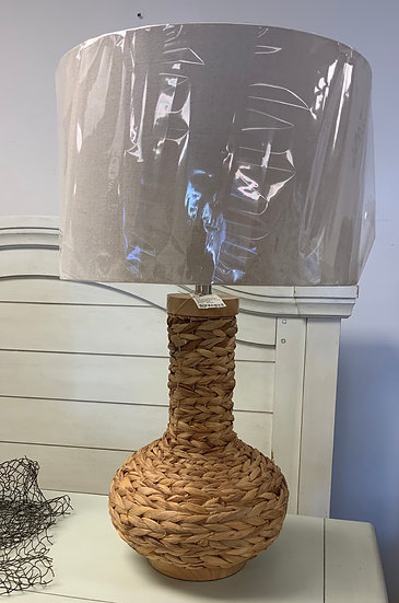 Woven wicker table lamp