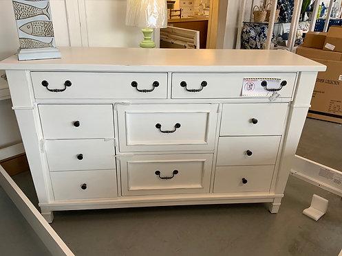 683 Dresser 63480