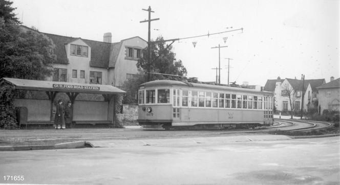 Piedmont - 10 train - Guilford Road Station - 171655ks.jpg