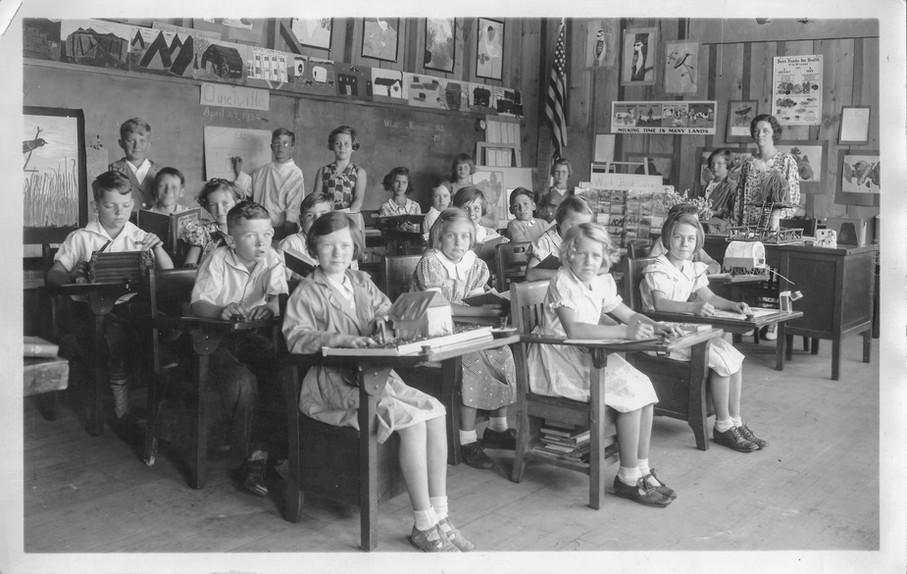 1934 Ruth Johnstons Class teacher