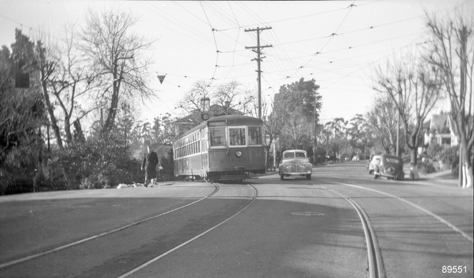 Piedmont - Train - 10 - Highland Ave - 89551ks.jpg